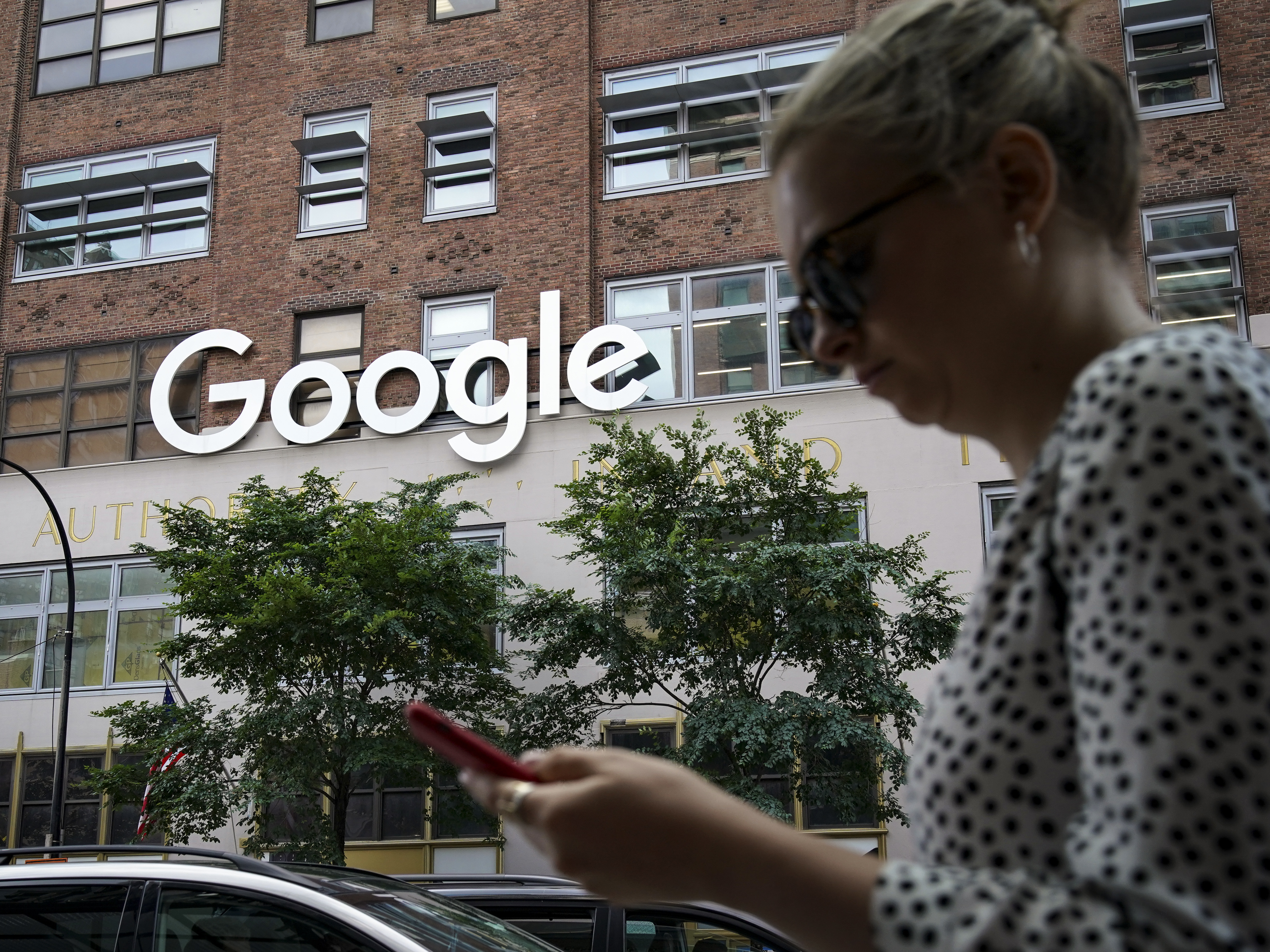 Google Abuses Its Monopoly Power Over Search, Justice Department Says In Lawsuit