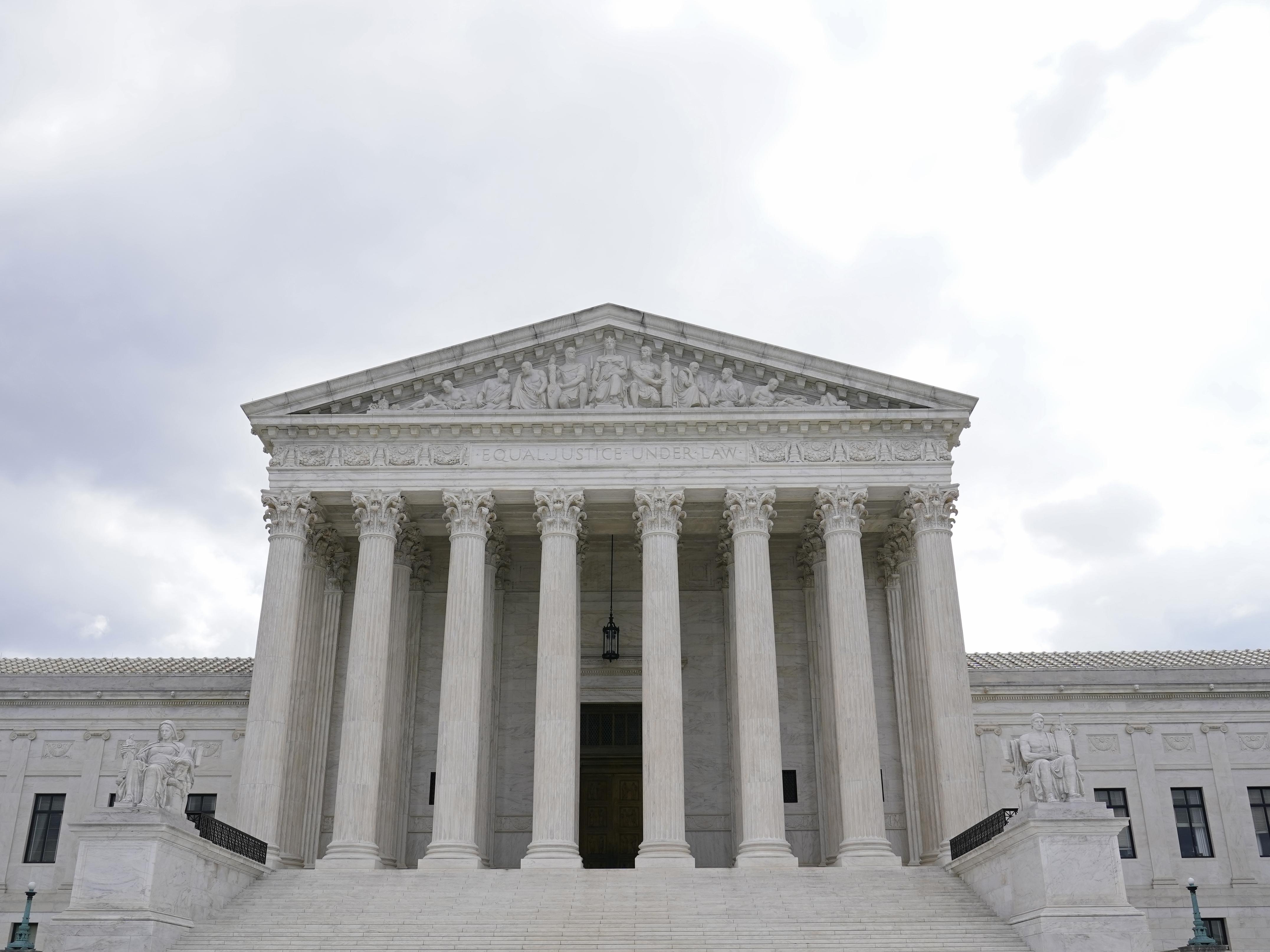 Supreme Court Weighs Crack Cocaine Sentencing Disparity