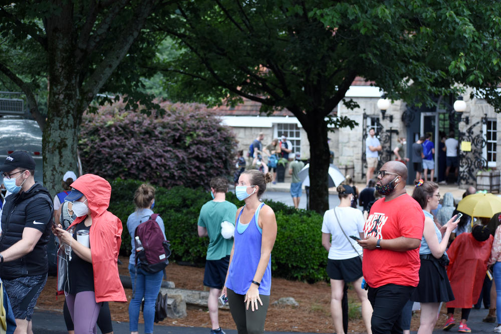 Voters wait in line at Park Tavern in Atlanta.