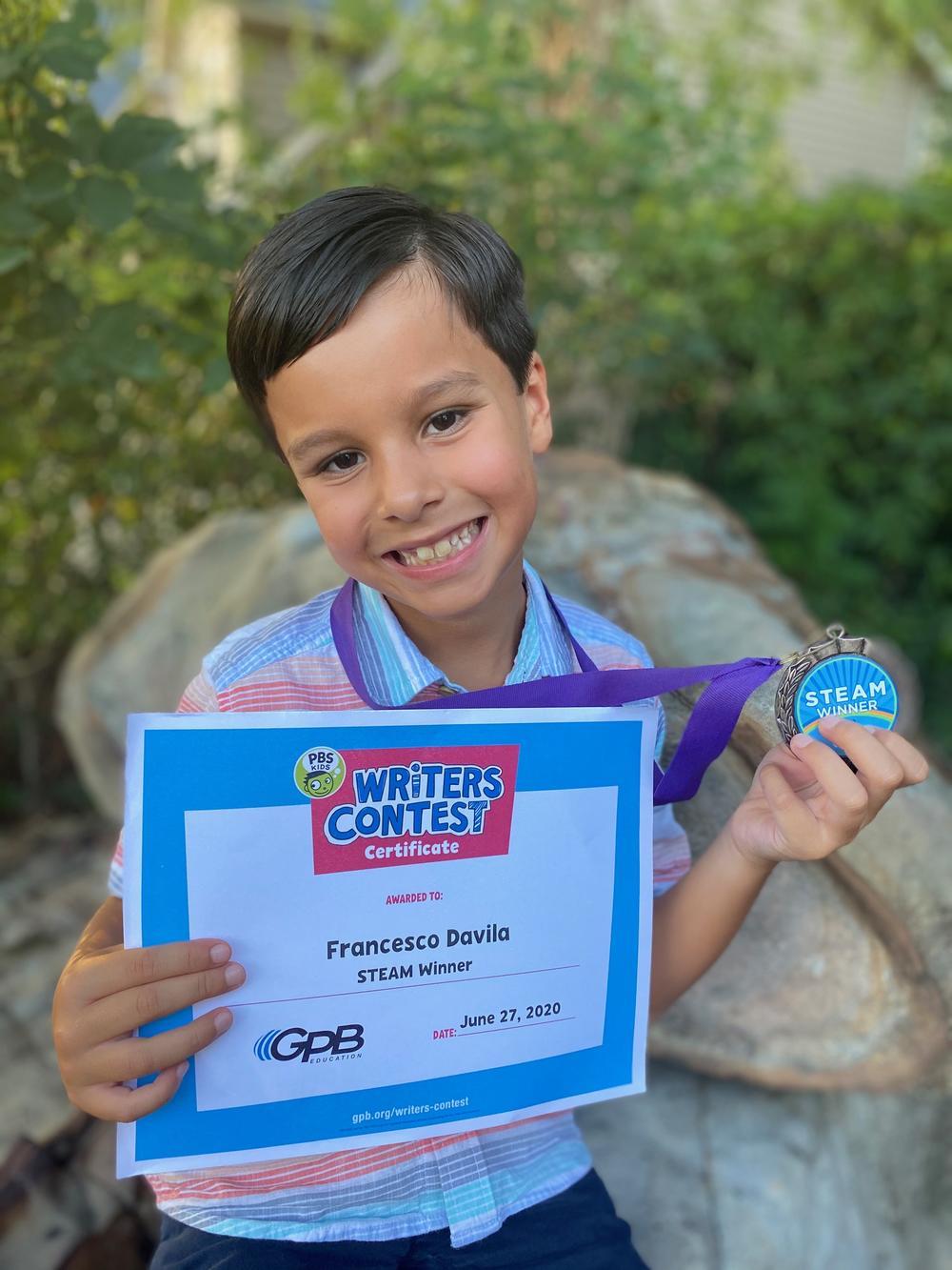 Francisco Davila with award