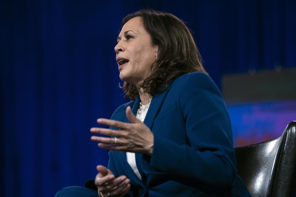 Senator Kamala Harris speaks on stage.