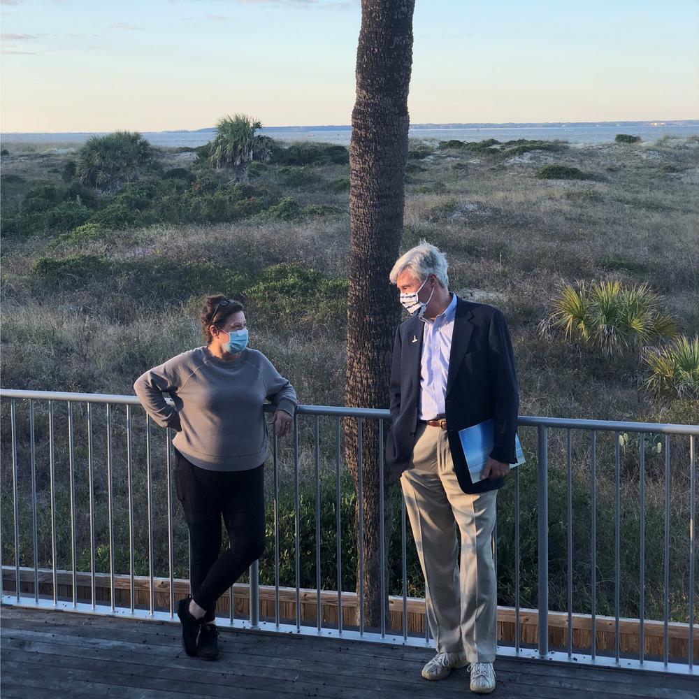 Sen. Sheldon Whitehouse (D-RI) talks with Maria Procopio of the Tybee Island Marine Science Center