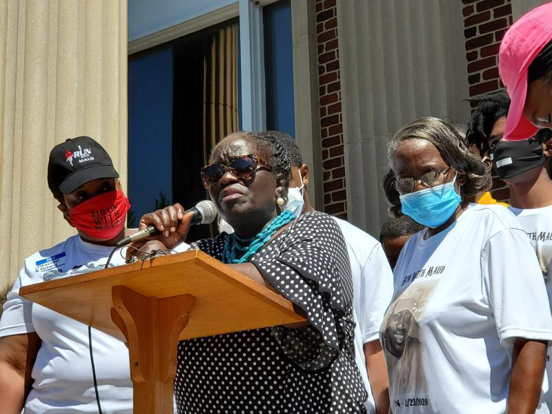 Kimberly Arbery, Ahmaud Arbery's aunt, was overcome with emotion addressing the crowd at a rally Friday.