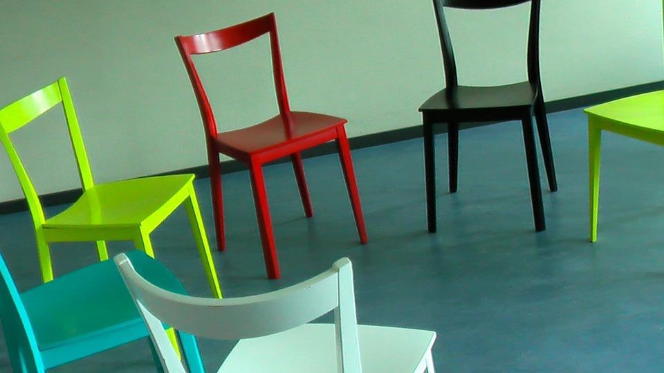 chairs_in_circle.jpg