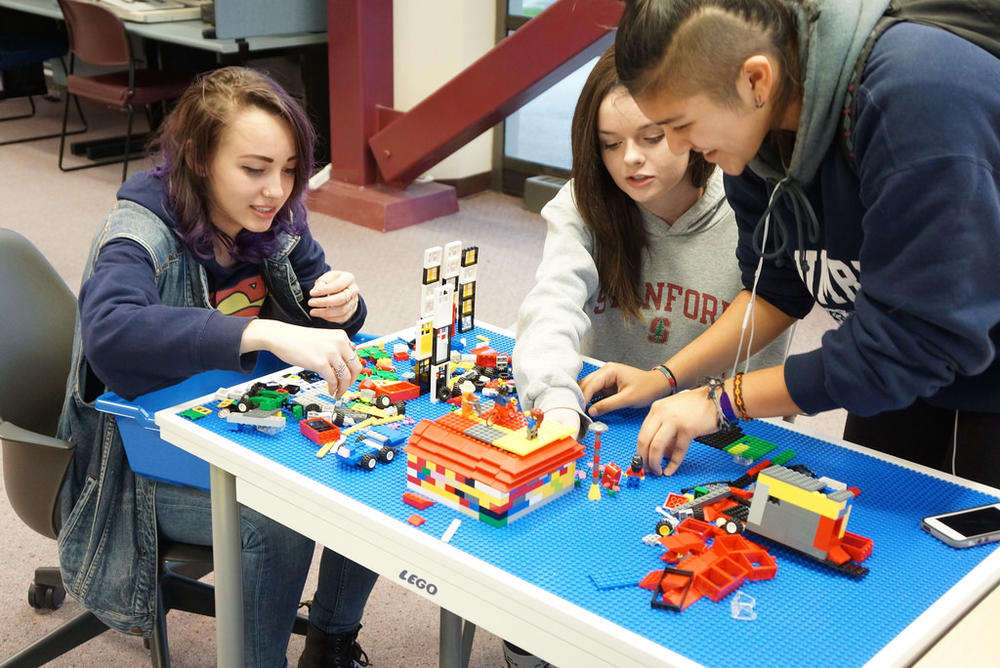 lego_makerspace.jpg