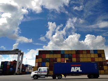 Port truck