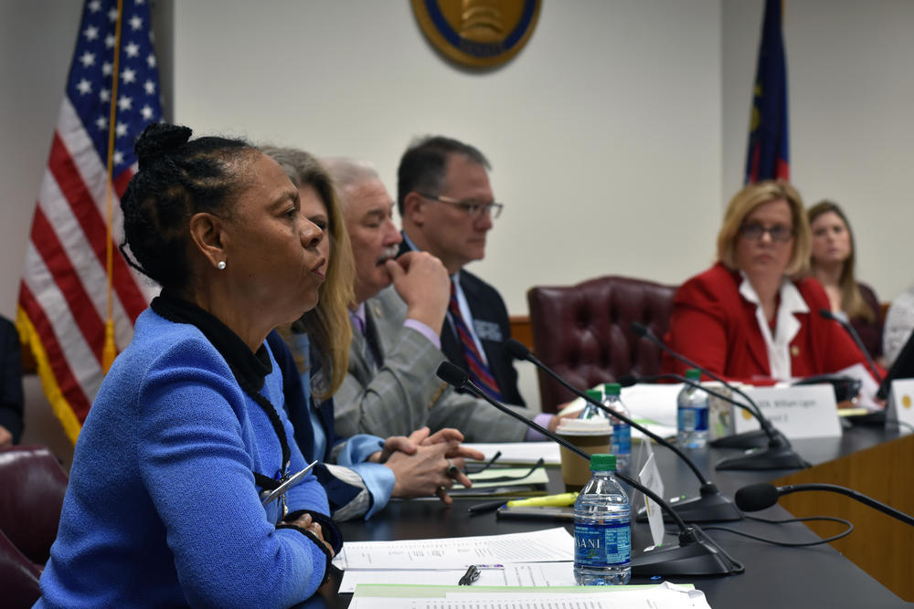 Sen. Valencia Seay (D-Riverdale, front) speaks in opposition to HB 481 Monday, March 18 in the Senate Science and Technology committee.