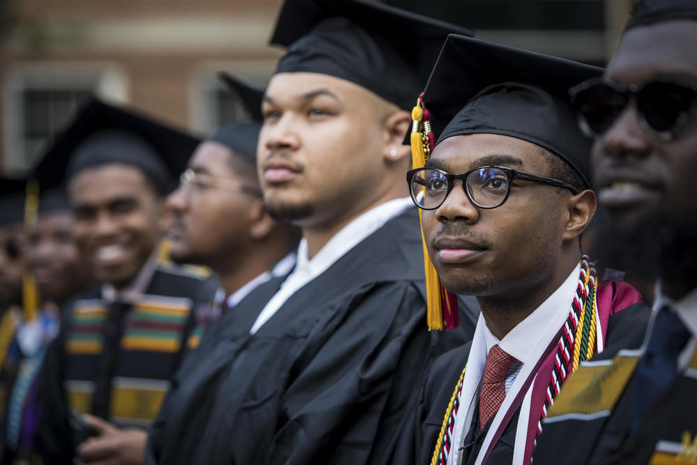 Morehouse College, Spelman College and UNCF to receive $140 million donation from Netflix CEO, wife.
