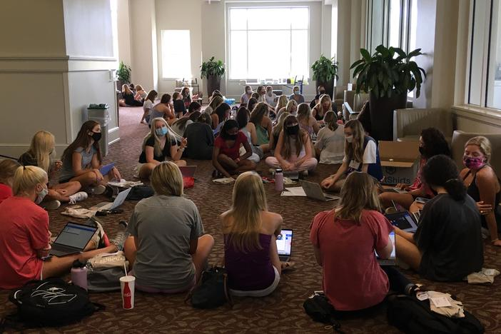 Students in UGA Tate Student Center on August 15, 2020