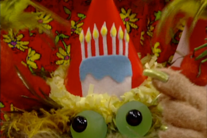 Misunderstandings threaten to ruin the Monster's (el Monstruo) birthday.