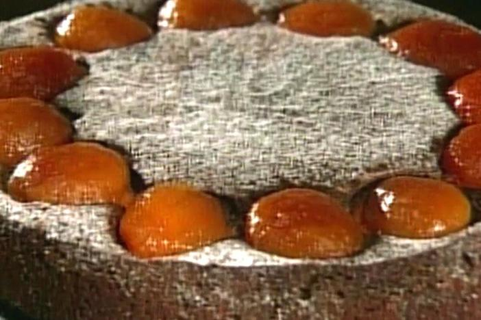 Markus Farbinger shows how to create a special Viennese pastry treat, a poppy seed torte.