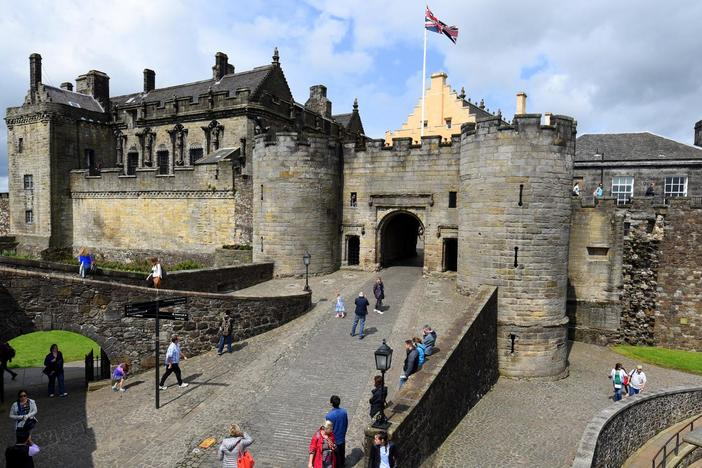 Starting in Glasgow, we travel to Stirling Castle, taste whisky, and watch a sheepdog demo