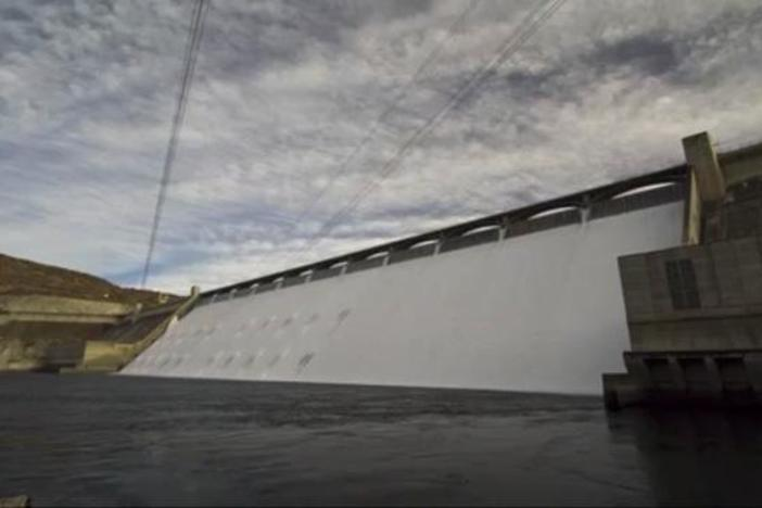 This 15-second time-lapse video shows the Grand Coulee Dam's spillway closing.
