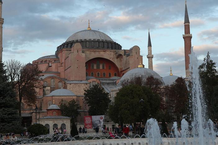 Professor Darius Arya uncovers the often-invisible treasures of Istanbul, Turkey.