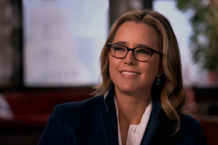 Téa Leoni discovers who an unknown biological grandmother is.