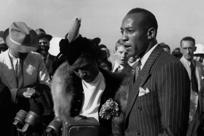After victories at the 1936 Berlin Olympics, Jesse Owens returned to a segregated America.