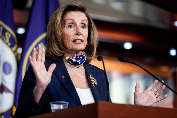 News Wrap: Pelosi says House will stay in session until virus aid deal reached