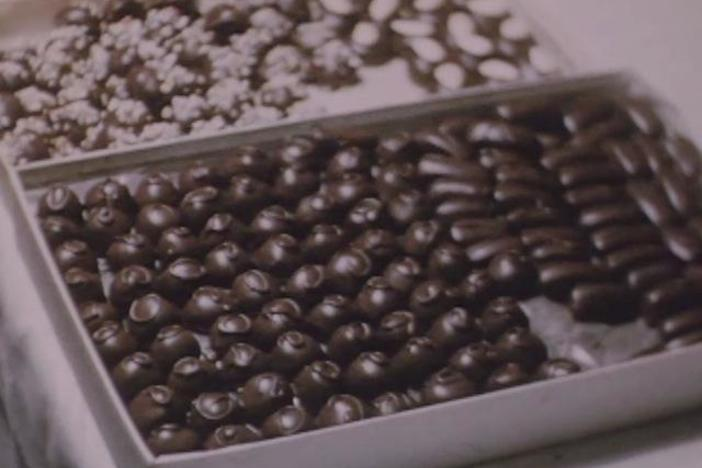 This 1940s footage shows Pennsylvania Dutch rolling and molding hard candy.