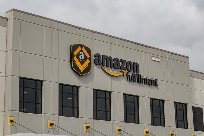 Online retailer Amazon is hiring 75,000 workers to handle increased demand from the coronavirus pandemic.