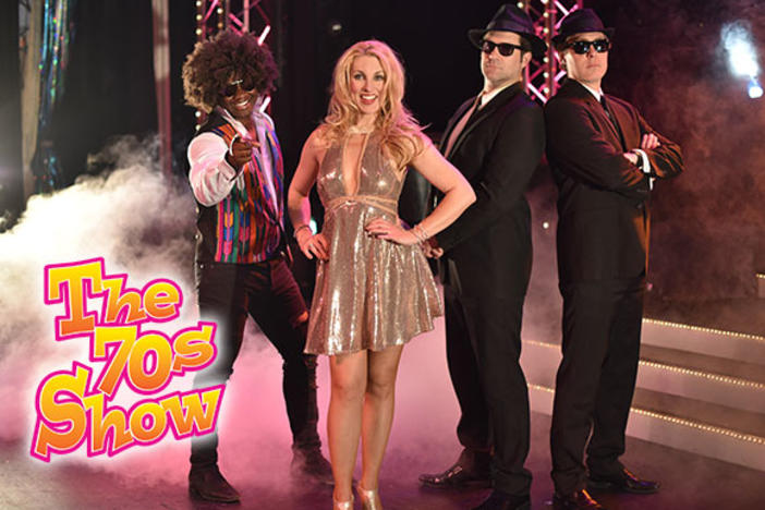 "Performers of ""The 70s Show"" take the stage"