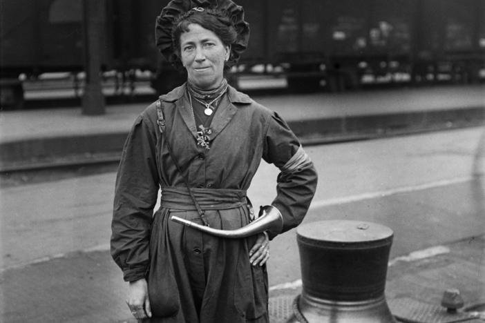 French woman conductor for the Paris Trolley Company, 1917