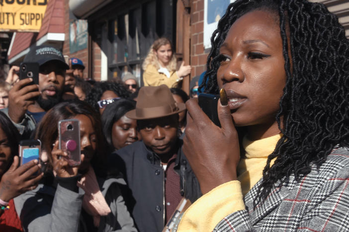 Mayoral candidate Amara Enyia holds a press conference during the 2019 Chicago race.