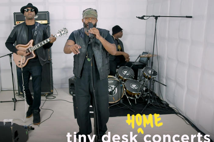 TH1RT3EN performs a Tiny Desk (home) concert.