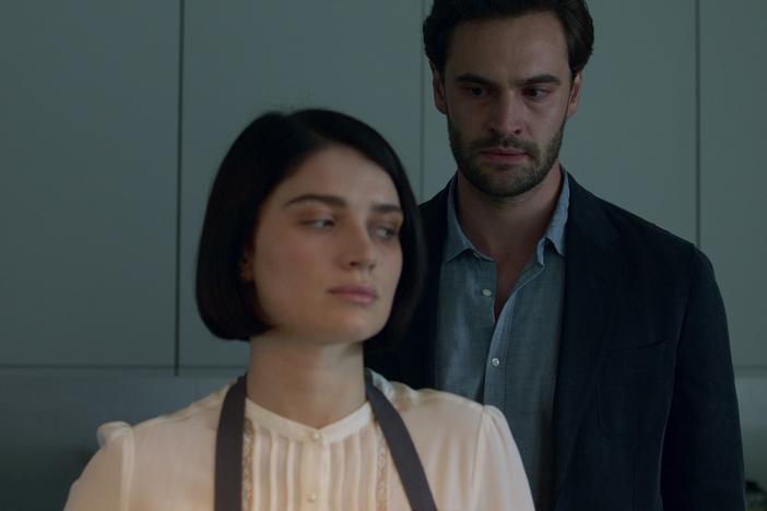 Tom Bateman and Eve Hewson play a couple whose marriage is not what it seems in <em>Behind Her Eyes.</em>