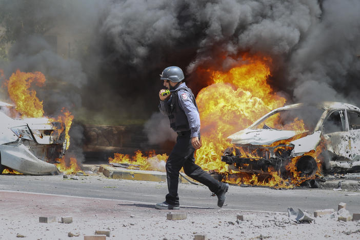 Hamas Rockets Hit Tel Aviv As Israeli Airstrikes On Gaza Continue